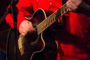 Gitarrist in für Akustik-Band gesucht