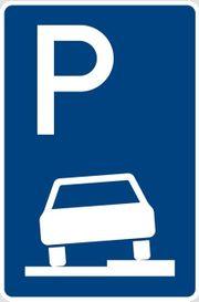 PKW-Parkplatz in