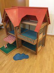 Puppenhaus mit viel Zubehör Puppenhaus