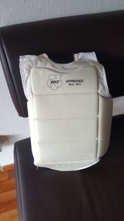 Brust protektor