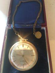 goldene Taschenuhr Gold Design