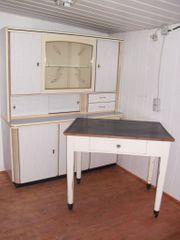 Küchenschrank und Tisch 50er Jahre
