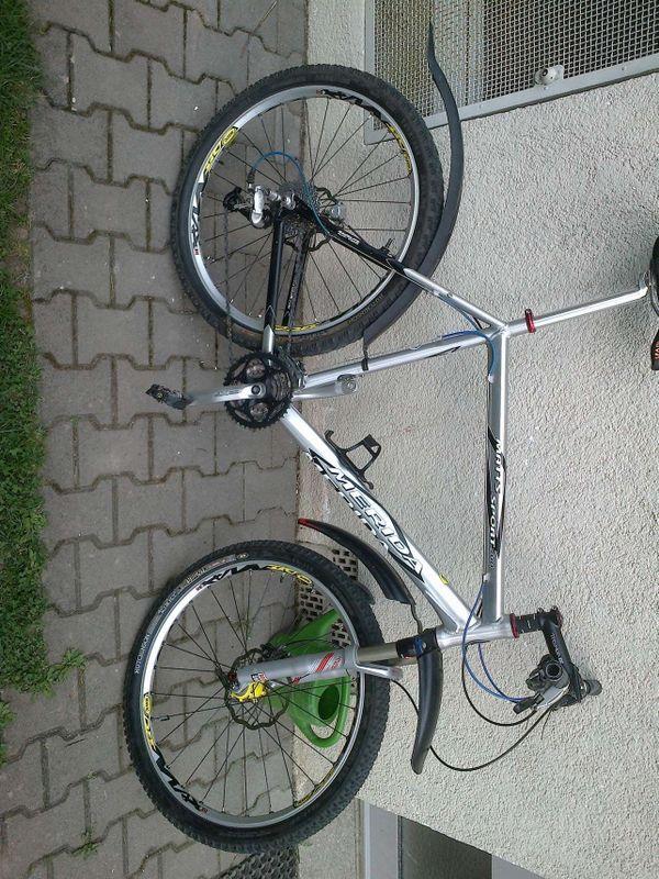 MTB mit MERIDA-Rahmen(24 Zoll) Magura Scheibenbremsen und Shimano XT ...
