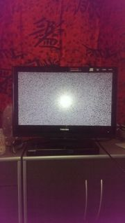 Fernseher und DVD Player abholbereit