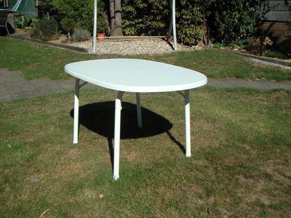 Gartentisch Weiss Oval Aus Kunststoff 137 X 87 Cm Klappbar
