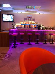 Cafe Bar in