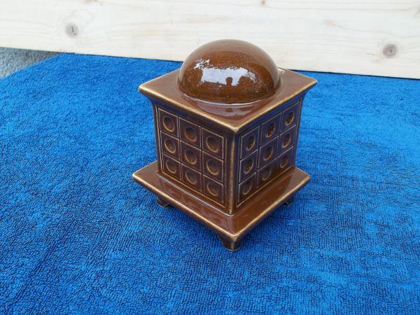 Puppenhaus Kachelofen - Roth - schöner Kachelofen aus Keramitk für ein Puppenhaus.Versand möglich, dann zuzüglich Porto. - Roth