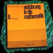 8 Schulbücher im