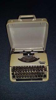 Olympia Schreibmaschine mit