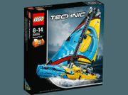 LEGO Technic Rennyacht -