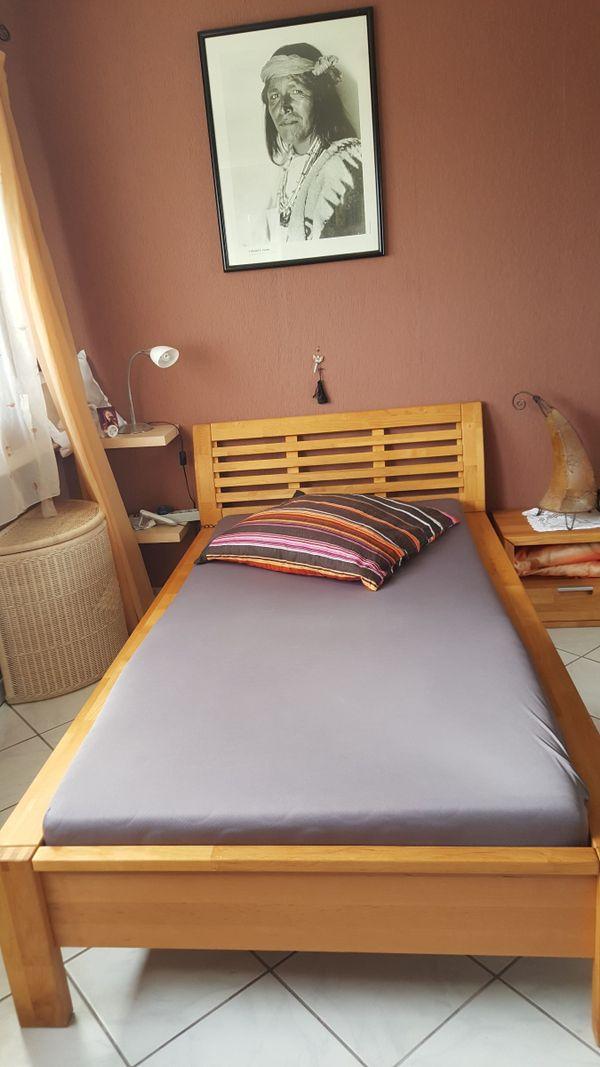 massivholzbett und 2 ankauf und verkauf anzeigen billiger preis. Black Bedroom Furniture Sets. Home Design Ideas