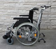 Rollstuhl mit elektrischer