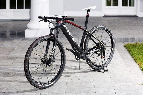 five bike e mtb in berlin mountain bikes bmx r der. Black Bedroom Furniture Sets. Home Design Ideas