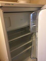 kleiner Kühlschrank mit