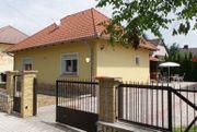 Ungarn: Haus in