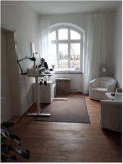 Schönes Zimmer in angenehmer Bürogemeinschaft