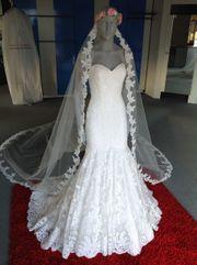 Brautkleid mit viel Spitze Mermaid