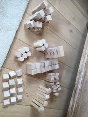 Holzbausteine (nach Montessori)