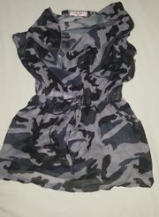 Graues Camouflage T-