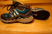 Adidas Wanderschuh 35