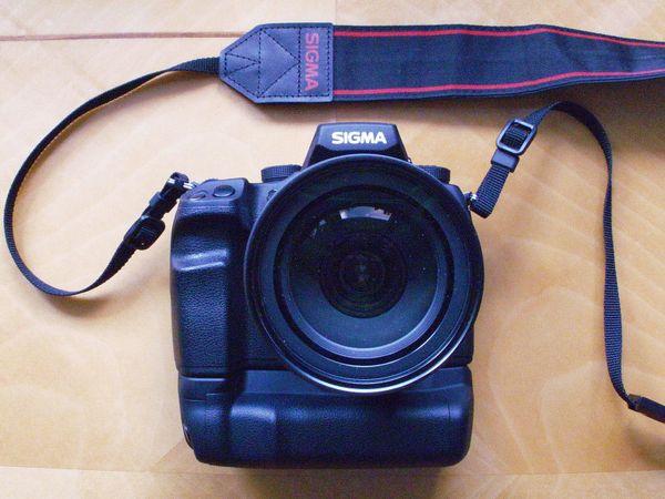 Sigma SD1 + Sigma SD15 + 15 Linsen + Zubehör - Leipzig Südvorstadt - Sigma SD1 + Sigma PG-31 Power Grip (die Kamera und der Griff sind in sehr gutem Zustand) + original Ladegerät;Sigma SD15 (in sehr gutem Zustand) + Original Ladegerät;Sigma EF-530DG Super Flash (in sehr gutem Zustand, ohne Batterie - Leipzig Südvorstadt
